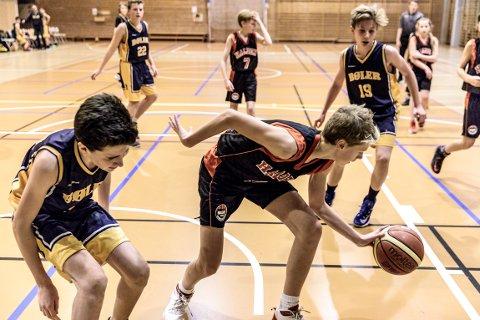 STENGT HALL: Remmenhallen er stengt i ti dager grunnet eksamensgjennomføring. Det skaper trøbbel for blant andre Halden Basketballklubb.