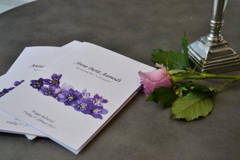 TOK FARVEL: Anneberit Aamodt har satt dype spor i Halden-samfunnet. Fredag tok en fullsatt Brygga kultursal et vakkert og verdig farvel med henne.