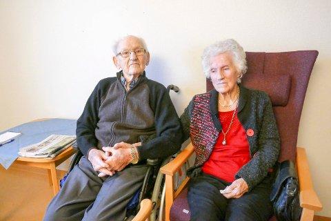 BLE SAK: Erling (98) og Gudrun Ståhl (96) får ikke bo sammen på helsehuset.Torsdag kveld ble de politisk sak i kommunestyret.