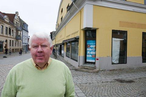 STARTER HER: Terje VIdar Høvik skal drive kafeen i S16 i gågata.