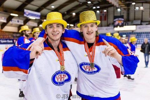 Håkon Vaglen (th) fra Halden, her sammen med lagkamerat Victor Öjdal, vant NM-gull i U20 med Vålerenga.
