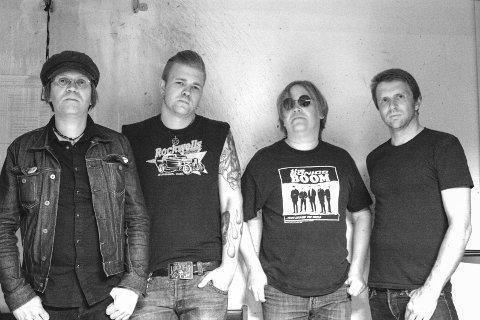 THE BOOGIETRAPS: Bandet som sørger for at Halden fortsatt kan kalle seg rockbyen Halden. Fra venstre; Nils Tempo, Olle Hov, Magnum og Ulf Rasken. Lørdag kommer de til Feelgood for å slå fast at bare høyt er høyt.