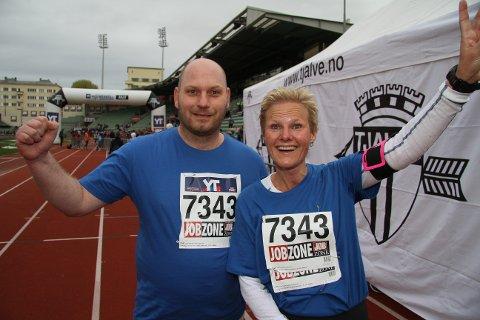 Odd Nielsen og Inge Lise Hystad var fornøyd etter helgens Holmenkollstafett.
