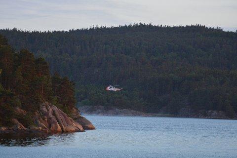 HELIKOPTER: Mats Aspli så redningshelikopteret som bisto i redningsaksjonen i  Iddefjorden lørdag kveld.