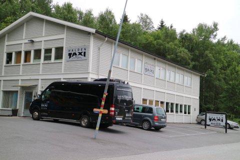 DROSJE: SJåføren var på jobb i en drosje fra Halden Taxi AS her på Sørliefeltet.