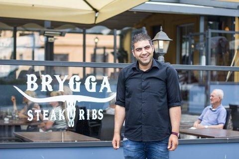 DRIVER GODT: Selim Kocu som eier og driver Havna restaurant kan se tilbake på et godt 2018.