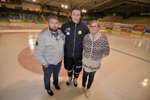 Einar Egeland er Byens spiller. Her sammen med Glenn Nordahl (tv) og Karianne Stenbock.