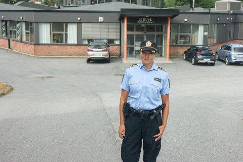 TA ANSVAR FOR UNGDOMMEN: Monica Anstensen er leder for politiets forebyggende avdeling og ønsker at foreldre tar mer ansvar for ungdommen. – Det er ikke farlig å ha mer kontroll selv om barna begynner å blir store, sier hun.
