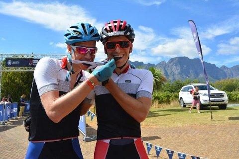 ANDREPLASS: Eirik Fiskvik og Thomas Engelsgjerd ble nummer to i maratonrittet Trans Cape i Sør-Afrika.