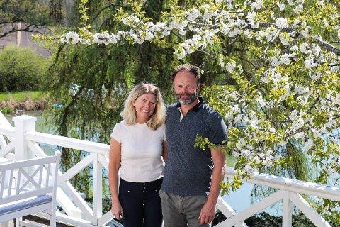 ØSTGAARD: Nina og Lars Garder på Østgaard satser på utleie av gården sin til bryllup og konferanser.