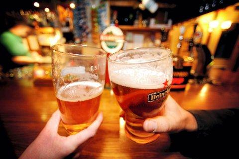 FORSKJELLIGE MENINGER: HA har vært i kontakt med flere sentrale utelivsaktører for å høre hva de mener om skjenketiden for alkohol.