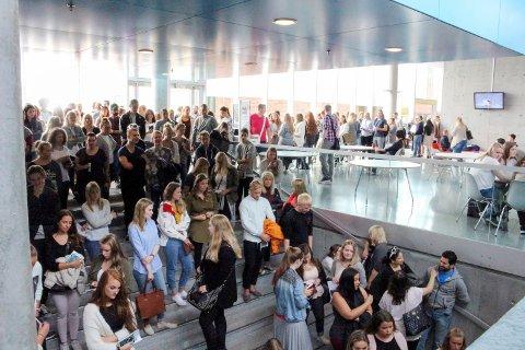 TØFF KAMP: Det er tøff kamp om studieplassene ved Høgskolen i Østfold, og i år gir man tilbud til 490 flere enn i fjor.