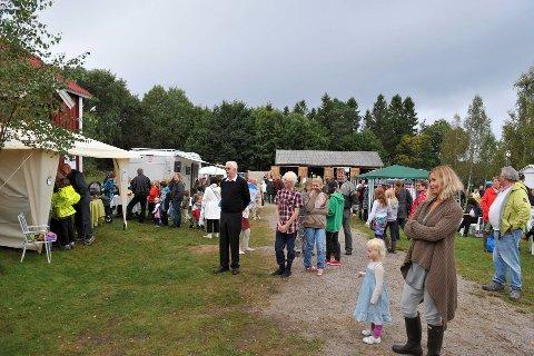 MYE FOLK: Lørdag og søndag denne helga er det klart for sensommerstevnet på Gamle Prestebakke. Dette bildet er hentet fra et tidligere stevne