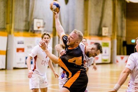 8 MÅL: Trym Bilov Olsen var mer enn en håndfull for Kolstad-forsvaret, men det var i nok til å hindre trønderne alle poengene.