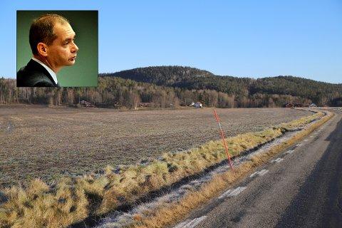 POLITIADVOKAT: Arne Schei representerer Staten i saken mot Halden-bonden som er tiltalt for smugling av korn. Bonden nekter straffeskyld.
