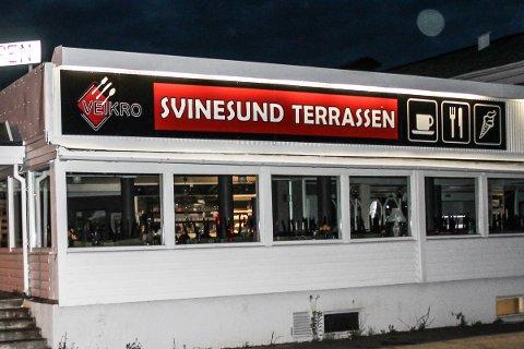 SUR MUNN: Mattilsynet har vært på enda et tilsyn på veikroen ved Svinesund. Ifølge rapporten har ingenting blitt gjort siden forrige besøk.