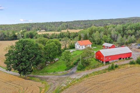 INTERESSANT OBJEKT: Bisseberg gård på Idd ble solgt for 7,2 millioner kroner. – Vi opplever stor interesse for gårdsbruk som ligger sentralt, sier megler Jan-Marcus Lilledal.