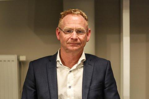 Kommunedirektør Roar Vevelstad mener at kommunen kan miste 12-14 millioner kroner på grunn av flertallets budsjettvedtak.