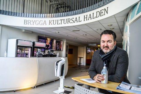 KORONAÅR: – Det er vanskelige tider. Det kunne vært vanskeligere, sier leder Martin Gundersen ved Brygga kultursal.
