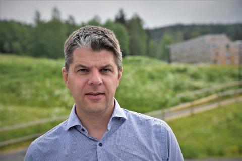 HEKTISK: Administrerende direktør Per Olav Andersen jobber intenst med World Cup og å unngå kurs for Olympiaparken AS i Lillehammer.