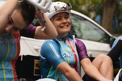 Så glad er Emilie Moberg for starten i sitt nye team, Drops Cycling Team.