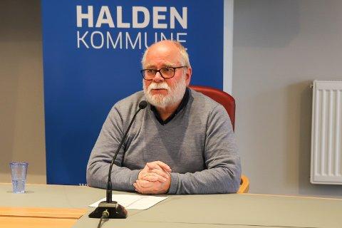 Halvard Bø regner med at gruppa 75-84 år er ferdigvaksinert til påske.