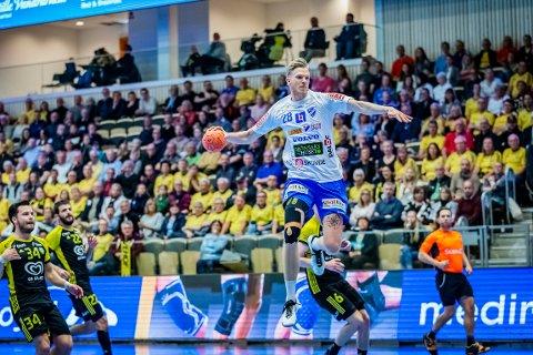 KLAR FOR HTH: Casper Ebbesen har blant annet spilt for svenske IFK Skövde, med haldenser Jonas Wille som trener.