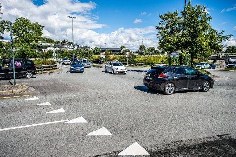 NY ORDNING: Nye netttjenester fra Statens vegvesen gjør at du nå ernkelt kan finne opplysninger om gitte kjøretøy.