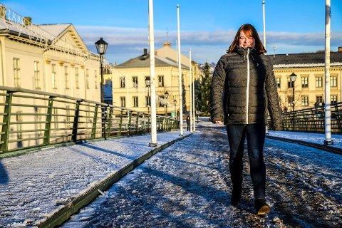 VENTER: Kommuneoverlege Kjersti Gjøsund. venter på flere prøvesvar om det er det muterte koronaviruset. Arkiv.