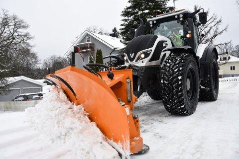 VINTERVÆR: Vi er inne i vårmåneden mars, men i morgen blir det vintervær i Halden og Aremark. Da må trolig brøytemannskapene til Halden kommune ut.