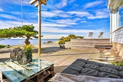KOSTBAR UTSIKT: Mange drømmer om å ha hytte med en slik utsikt. Nå er muligheten der på Hankø, men prisen er også deretter.