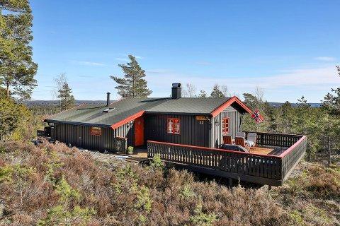 BUD: Etter budrunder ble denne hytta solgt godt over prisantydningen.