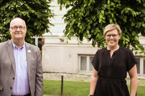 ENDELIG I GANG: Pål Scott Hagen og Malin Østli var godt fornøyd med fredagens festivalåpning.