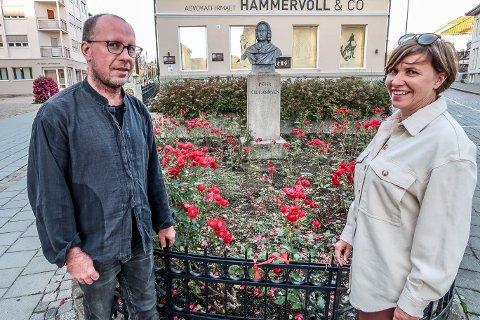 NORDSIDEN: Snart er det tid for sin største utstilling noensinne, for Katrine Weel Olsen og Thomas Weel.