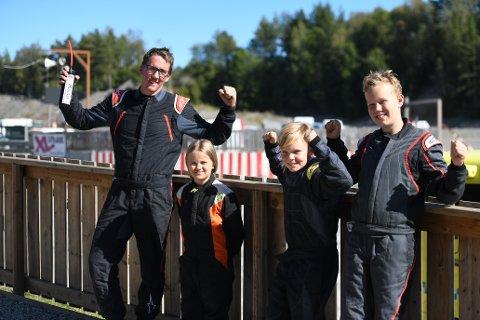 KJØRTE NM-RUNDE: Kim Lorentzen (fv), Ida Syversen, Jørgen Sørlie og Jonas Sørlie var fornøyde etter NM-runde i Crosscart på Brekka.