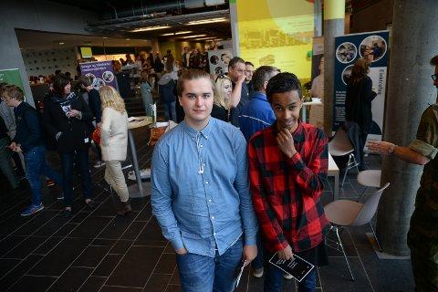 JAKT: Daniel Ryan og Ibrahim Adan fikk bruke speeddate som virkemiddel for å finne seg lærlingplasser.