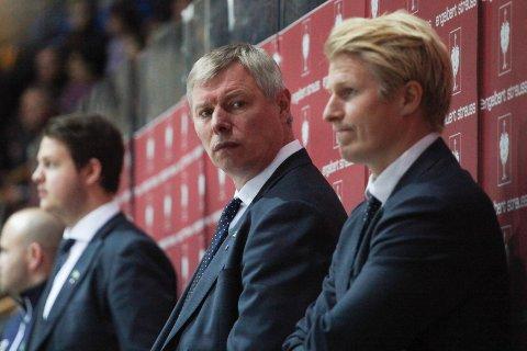BEKYMRET: Alexander Smirnov er bekymret etter tre strake tap i ligaen. Fem inkludert CHL.