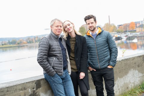 HJEMME: – Stas å spille i Vang, sier Ole Edvard Antonsen, som har tatt med seg Stine og Didrik ned til Mjøskanten.