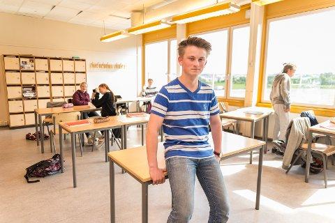 I VINDEN: Marius Westling er til vanlig ungdomsskoleelev på Børstad, men på fritiden blir han lagt mer og mer lagt merke til for sitt fiolinspill.