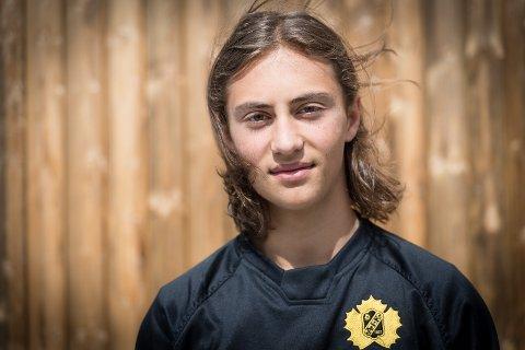 ETTERTRAKTET: Han er 16 år gammel og allerede ettertraktet som ishockeyspiller.