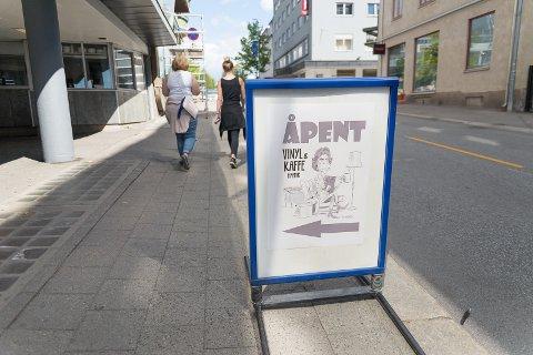 PÅ PLASS: I juni åpnet Kaffe & Vinyl i Vangsveien.