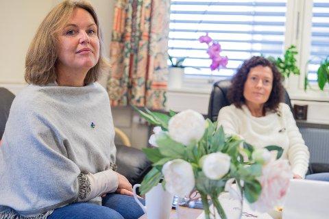 JAKTER: Berit Jevnaker og Anne Thingstad Eriksen skal jakte på en verdig vinner av Frivillighetsprisen i Hamar.