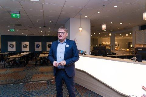 FULLE HUS: Hotelldirektør Vidar Haugen er rimelig sikker på at det blir fullt på Astoria i forbindelse med a-ha-konserten.