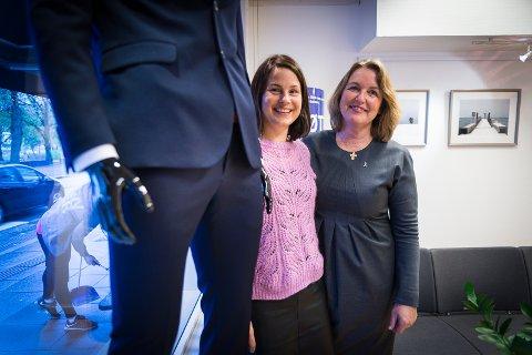 NY AKSJON: Anne Rui og Berit Jevnaker hos Kreftforeningen er spente på hvordan Blå sløyfe-aksjonen blir mottatt. Den setter søkelys på protatekreft blant menn.