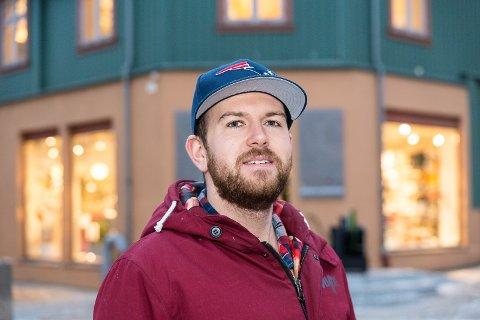 BOOKING: Teodor Onsumengen hos Garage Food & Drinks mener folk er blitt flinkere til å forhåndsbooke i restauranten.