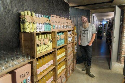 SPENT: Jeremy Metzger er spent på mottakelsen av ølutsalget og gavebutikken i kjelleren av Basarene.