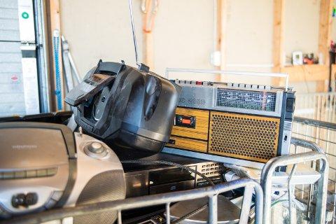 PÅ DYNGA: FM-radioene har dukket opp på gjenvinningsstasjonen på Stavsberg.