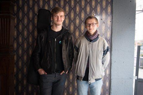 LEGGER PLANER: Gaute Rosvold og Esten Segbø er i gang med planleggingen av Mylderfestivalen.