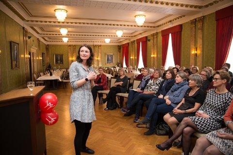FOREDRAG: Birgit Valla holdt foredrag om krevende barn og en stadig mer krevende foreldrerolle.