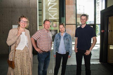 GLEDER SEG: Elise Kristensen (Hamar bibliotek), kinosjef Espen Jørgensen, Hanne Lillebo (Litteraturscena Hamar) og biblioteksjef Per Olav Sanner gleder seg til å få besøk av Torill Kove.